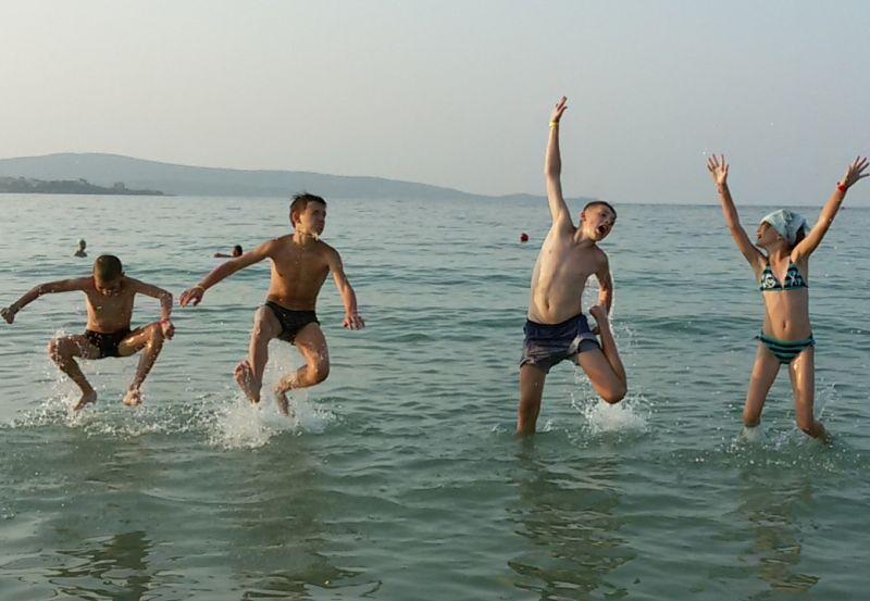 Изучать английский даже на золотом пляже Болгарии!